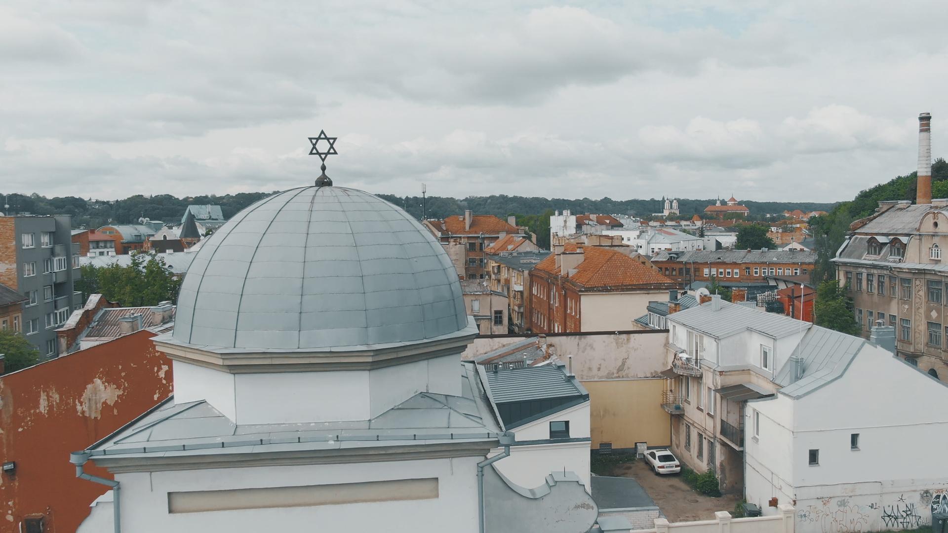 Sinagogos kupolas su Dovydo žvaigžde.