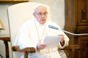 Popiežius Pranciškus 2020 m. birželio 3 d. bendrosios audiencijos metu. EPA nuotrauka
