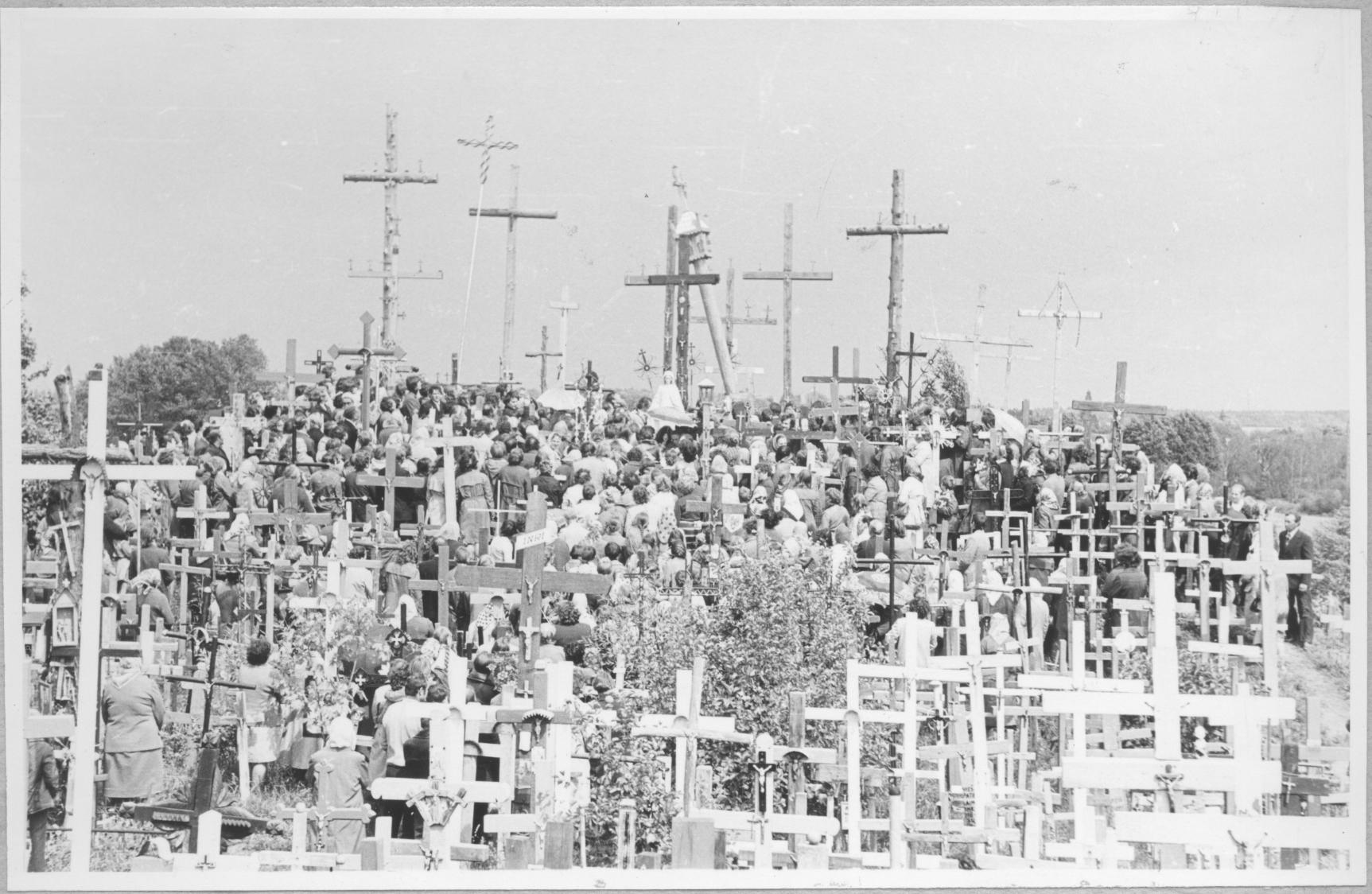 Eucharistijos bičiuliai Kryžių kalne 1979 m.