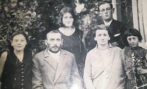 žydų šeima, nespalvota nuotrauka