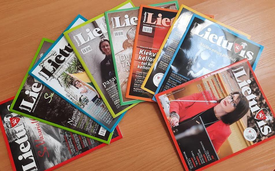 Išdėlioti žurnalai.