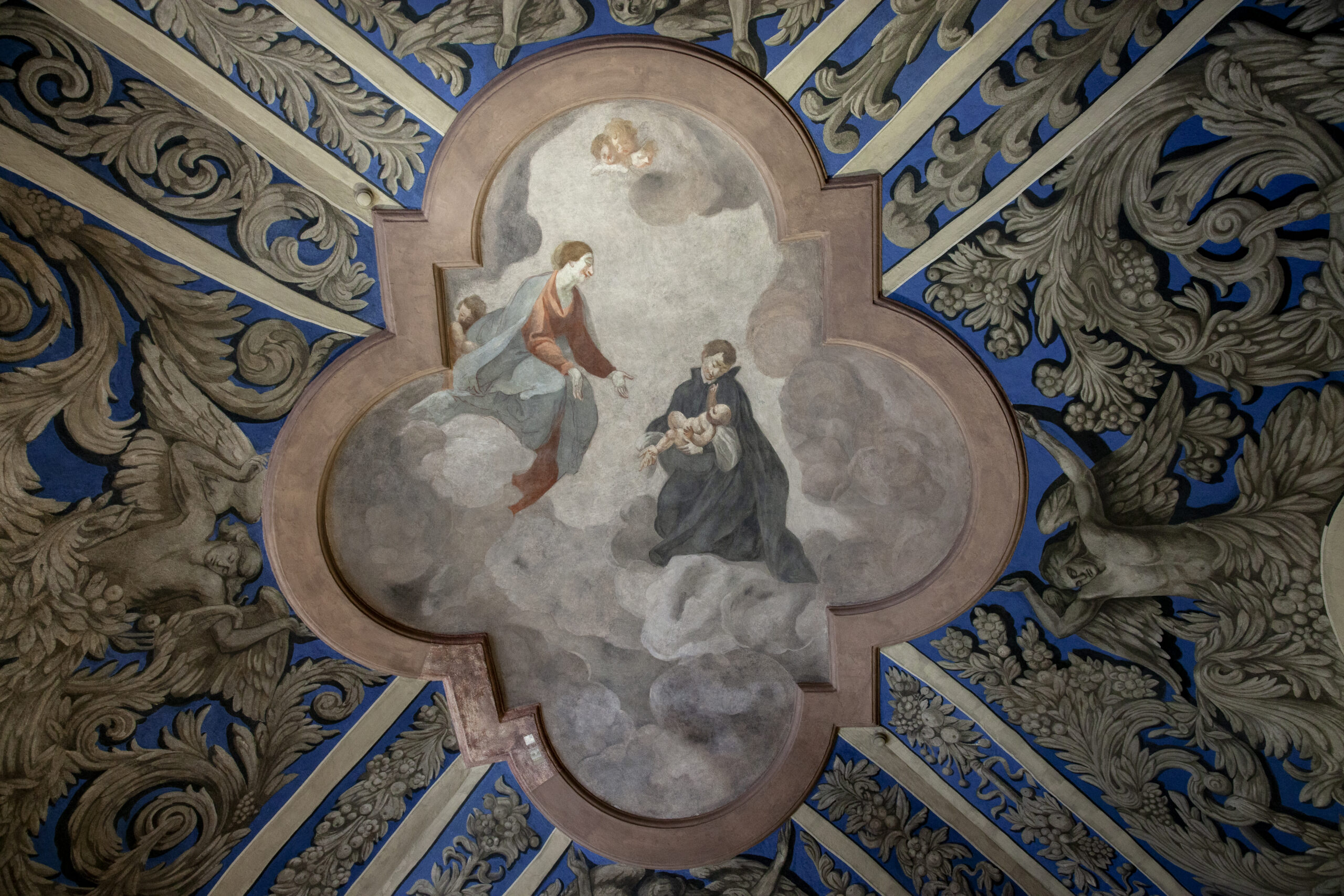 Skliautų tapyba Vilniaus universiteto bibliotekos Joachimo Lelewelio salėje