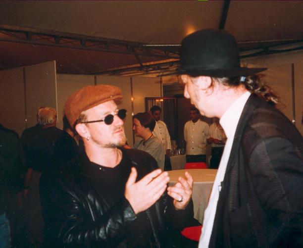 Nenadas Bachas su Bono.