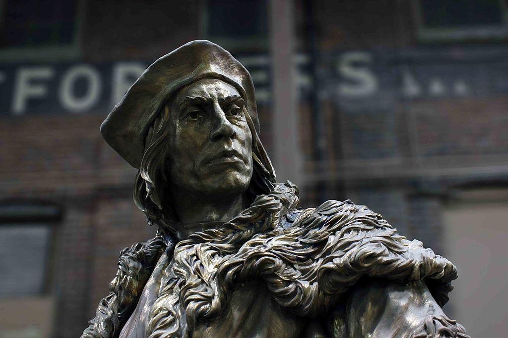 Bronzinė šventojo Tomo Moro skulptūra