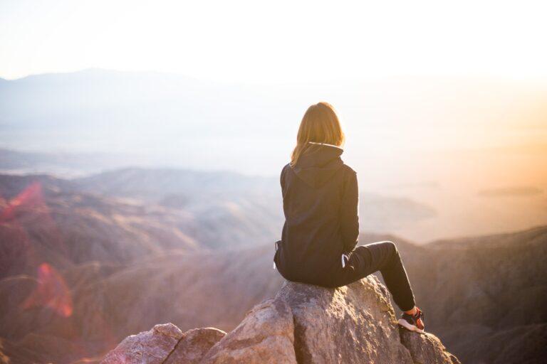 Moteris kalnuose