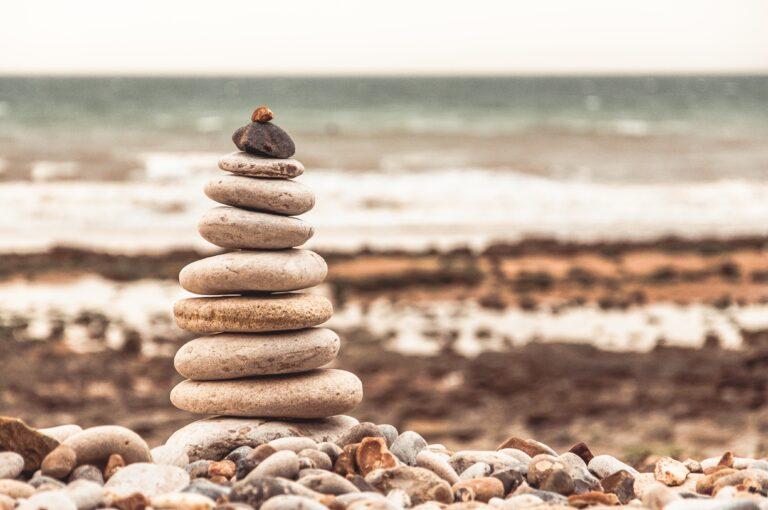 Akmenukai prie jūros