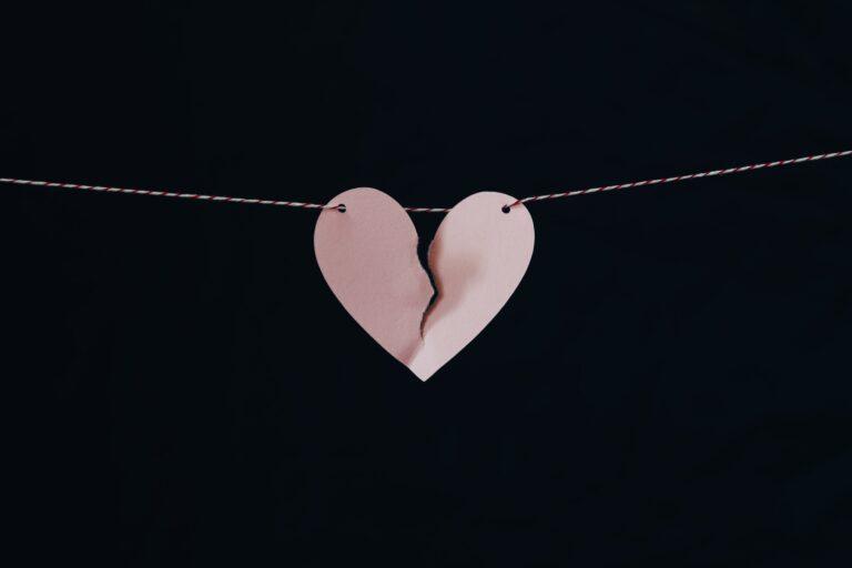 Suplyšusi popierinė širdelė