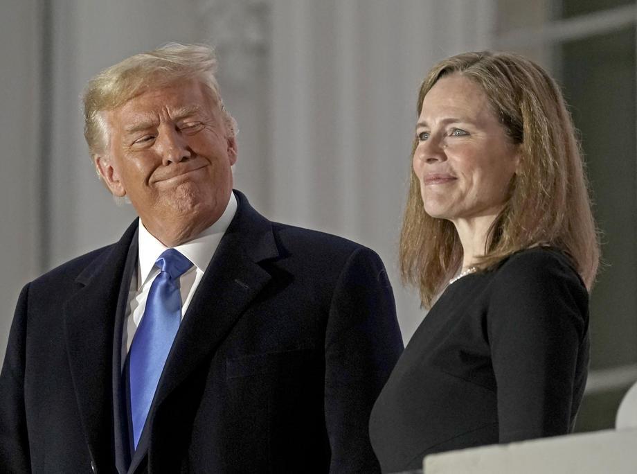 Amy Coney Barrett ir Donaldas Trumpas
